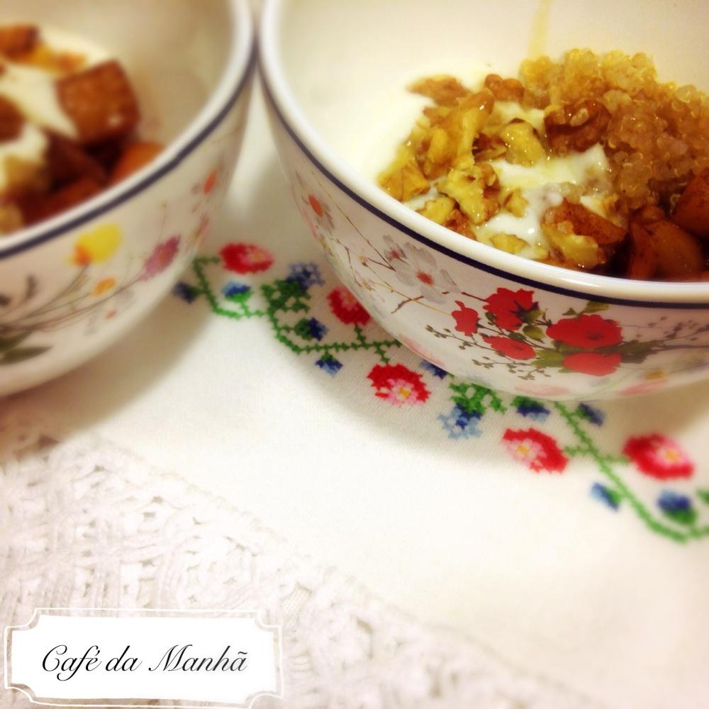 Amaranto, maçã, iogurte, nozes e mel. Um café da manhã perfeito.